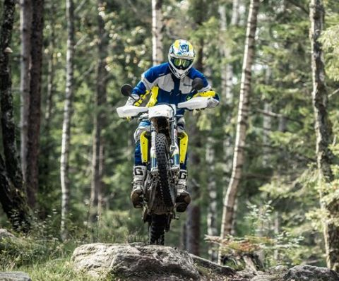 26326 701 Enduro 2017 Action 480