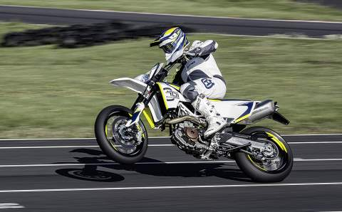 Husqvarna MY17 701 SUPERMOTO Action 480