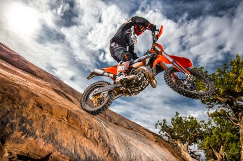 143525 KTM EXC MY 2017 Action 480