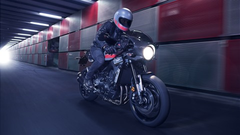 2017 Yamaha XSR900 Abarth EU Nimbus Grey Action 004 480