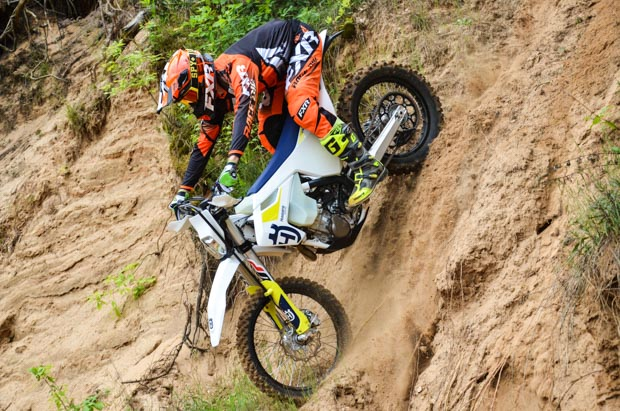 husky fe450 19 action 3 7