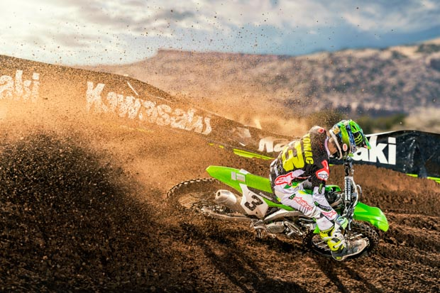 19 kx450 grn action 02 8