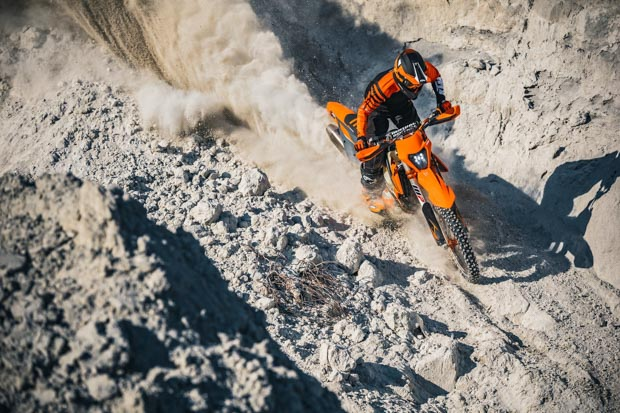 ktm 350 exc f my21 action 1